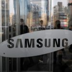 Samsung Electronics achieves a record profit in the third quarter, but warns of a weaker performance