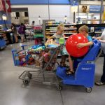 US consumer spending solid; Income growth smallest in 15 months